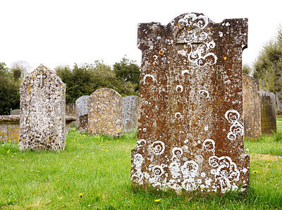 Headstone Photograph - Very Old Headstone by Jim Hughes