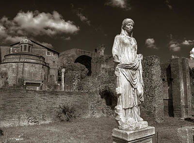 Photograph - Vestal Virgin Courtyard Statue by Michael Kirk