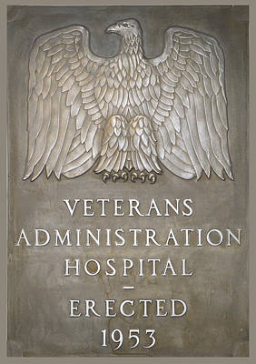 Photograph - Veterans Administration Hospital Plaque Lake City Florida by rd Erickson