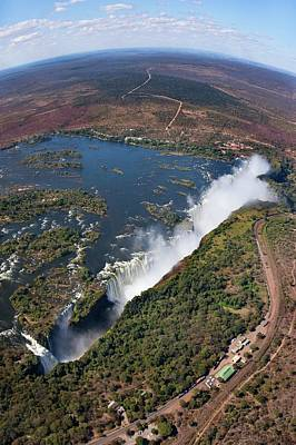 Victoria Falls Photograph - Victoria Falls by Steve Allen/science Photo Library