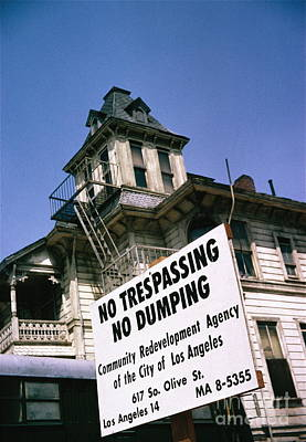 How To Take Photograph - Victorian Home Los Angeles by Robert Birkenes