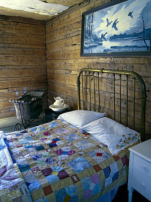 Bed Quilts Photograph - Victorian Pioneer Master Bedroom by Daniel Hagerman