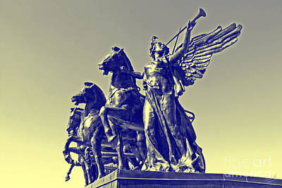 Grand Army Plaza Photograph - Victory by Nishanth Gopinathan