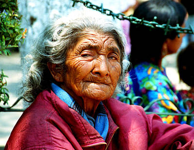 Photograph - Vieja With Wrinkles by Robert  Rodvik