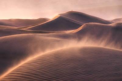 Death Valley Photograph - Viento De Arena by Inigo Cia