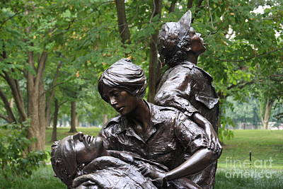 Photograph - Vietnam Womens Memorial by Andrew Romer