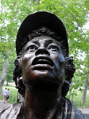Photograph - Vietnam Women's Memorial by Ed Weidman