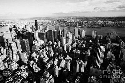 View North East Of Manhattan Queens East River From Empire State Building Art Print by Joe Fox
