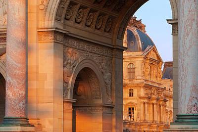 Arc De Triomphe Du Carrousel Wall Art - Photograph - View Of Arc De Triomphe Du Carrousel by Danita Delimont