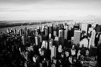 View Of Manhattan North West Towards Hudson River From Empire State Building New York Art Print by Joe Fox