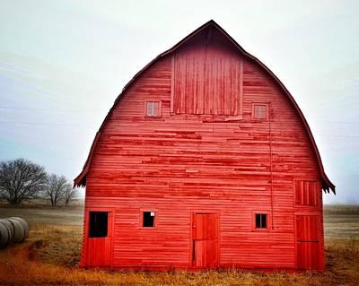 View Of Red Barn Art Print by Shannon Ramos / Eyeem