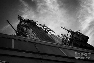 View Of The Top Of The Empire State Building Radio Mast New York City Art Print by Joe Fox