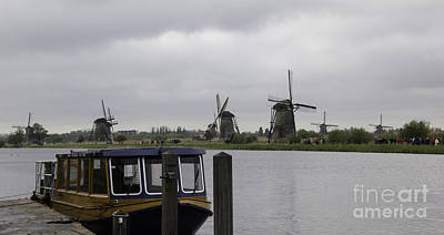 Tlk Designs Photograph - View Of Windmills Kinderdijk Holland by Teresa Mucha