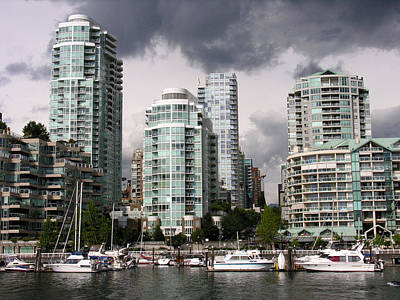 Photograph - View To The North From Granville Island by Robert Lozen