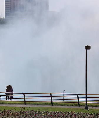 Photograph - Viewers Of The Niagara Falls by Kume Bryant