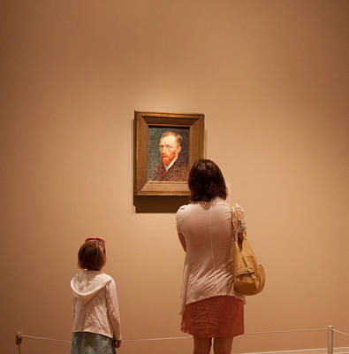 People Photograph - Viewing Famous Art 3 by Frank Tozier