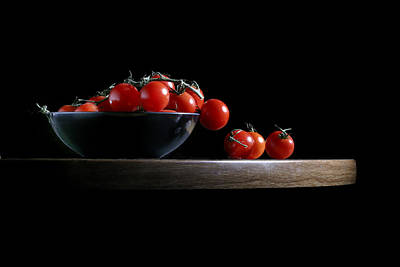 Photograph - Vine Ripe Tomatoes by David and Carol Kelly