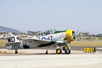 Photograph - Vintage Aircraft 8 by Richard J Thompson