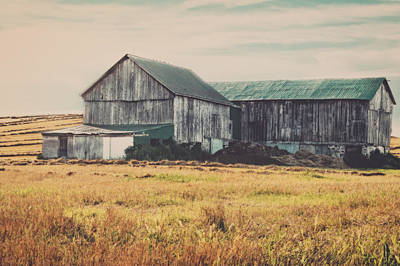 Photograph - Vintage Barn by Garvin Hunter