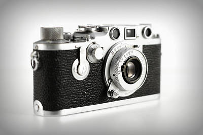 Aperture Photograph - Vintage Camera by Chevy Fleet