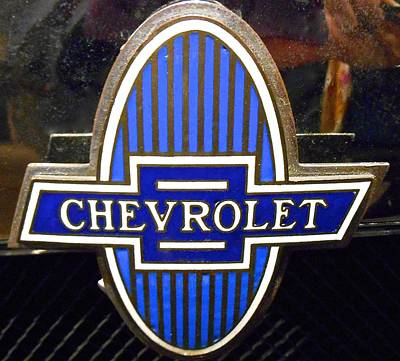 Old Chervolet Photograph - Vintage Chevrolet Logo by Joan Reese