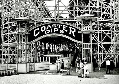 Glen Echo Park Photograph - Vintage Coaster by Benjamin Yeager