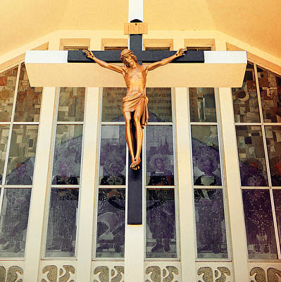 Photograph - Vintage Crucifix by Laurie Tsemak