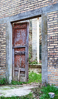 Photograph - Vintage Doorway by Susan Schmitz