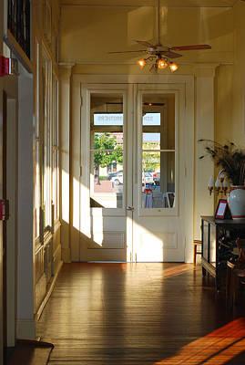 Vintage Foyer Filled With Light - The Ant Street Inn Art Print