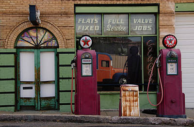 Photograph - Vintage Gas Station Day Time by Dave Dilli