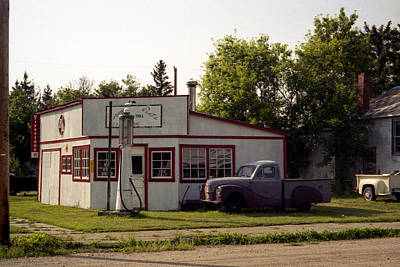 Speer Photograph - Vintage Gas Station by Roxy Hurtubise