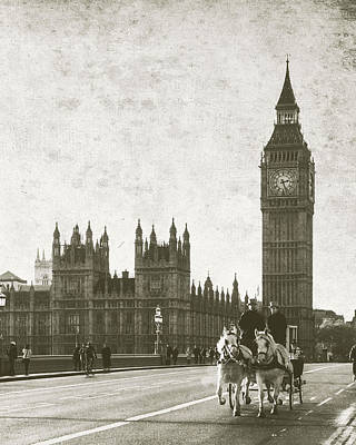 Vintage Horse And Carriage In London Art Print by Susan Schmitz