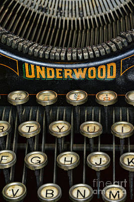 Underwood Typewriter Photograph - Vintage Keyboard by Paul Ward