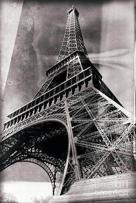 Photograph - Vintage La Tour Eiffel by John Rizzuto