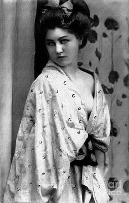 Photograph - Vintage Lady In Kimono Bw by Lesa Fine