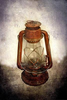 Photograph - Vintage Lantern by Judy Hall-Folde