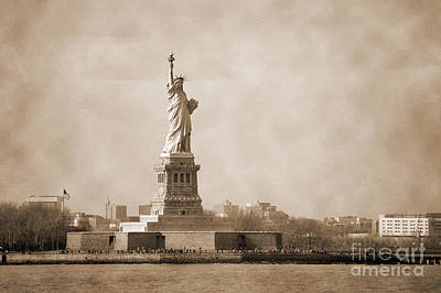 Photograph - Vintage Liberty Island by RicardMN Photography
