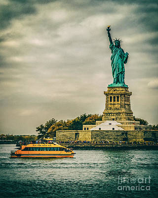 Photograph - Vintage Look Of The Statue Of Liberty - Liberty Island Hudson River New York City by Silvio Ligutti