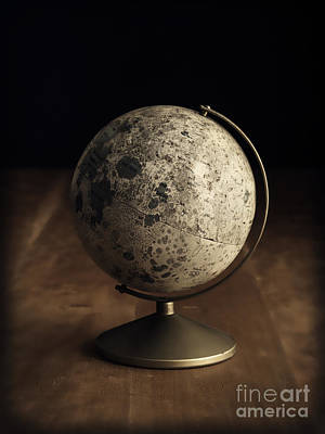Photograph - Vintage Moon Globe by Edward Fielding