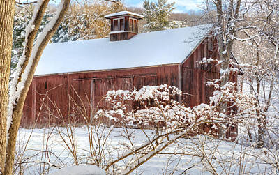 Red Barn In Winter Photograph - Vintage New England Barn by Bill Wakeley