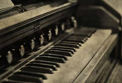 Beethoven Photograph - Vintage Piano by Dan Sproul