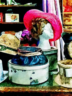 Photograph - Vintage Pink Hat by Susan Savad