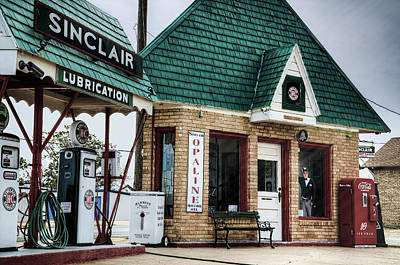 Photograph - Vintage Sinclair Station by Ken Smith