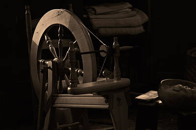 Machine Quilting Photograph - Vintage Spinning Wheel by Eugene Campbell