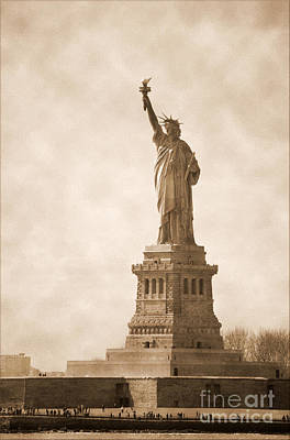 Vintage Statue Of Liberty Art Print