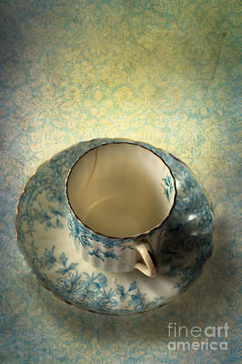 Ceramic Design Photograph - Vintage Tea Cup by Jan Bickerton