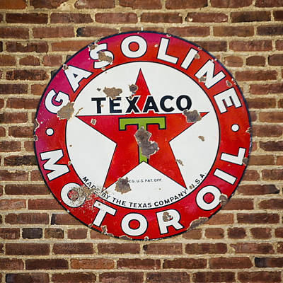 Photograph - Vintage Texaco Gasoline Sign Dsc07195 by Greg Kluempers