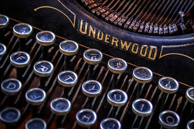 Round Photograph - Vintage Typewriter 2 by Scott Norris
