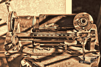 Photograph - Vintage Typewriter by Audreen Gieger