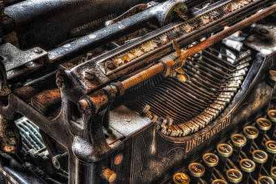 Photograph - Vintage Underwood Typewriter by Susan Candelario